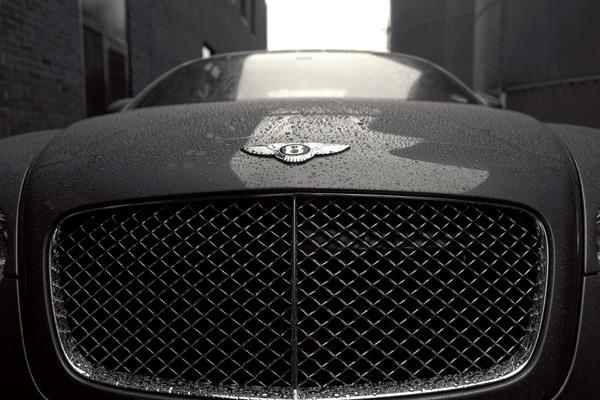Автомобиль Bently
